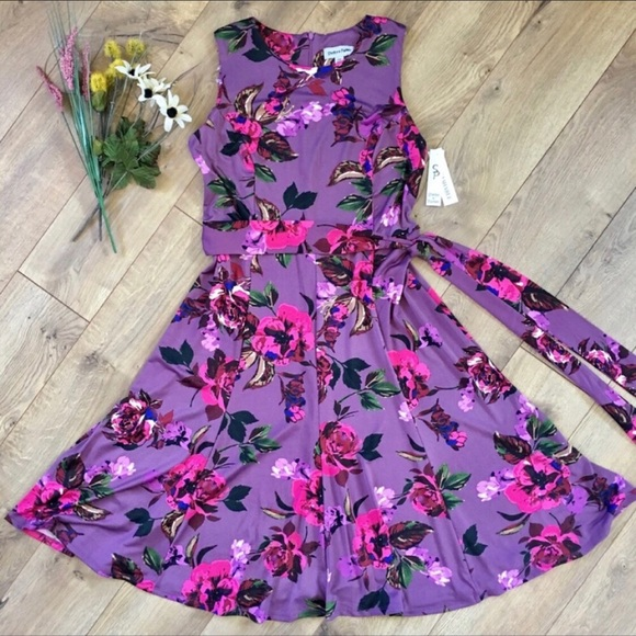 Nwt Purple Floral Zip Swissannuities